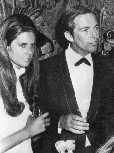 Barbara Zoellner And Dr Chris Barnard Famous Couples African History People