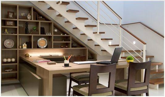 Ideias criativas para usar o espaço embaixo da escada