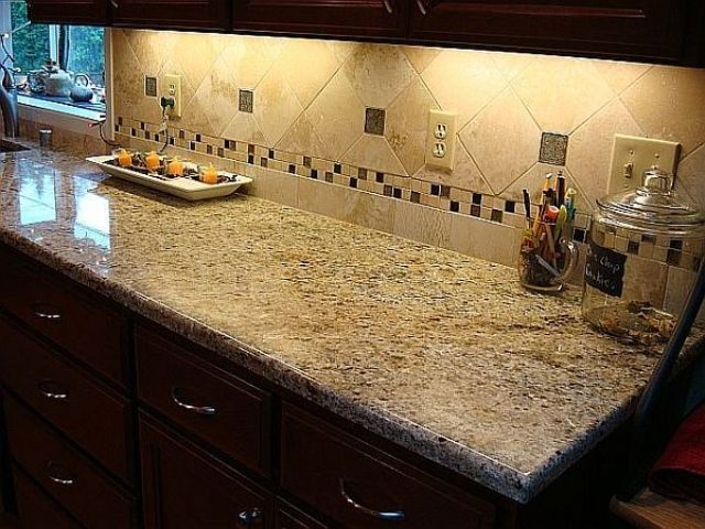 Backsplash With New Venetian Gold | New Venetian Gold Granite Countertops  W/ 6x6 Tile Backsplash