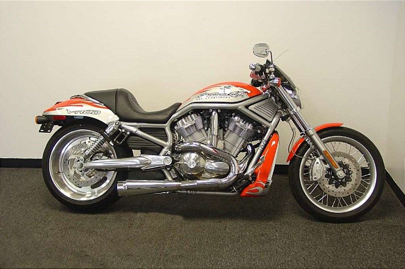 Skull Mirrors For Dyna Road King Ultra Glide Softail Sportster V-Rod AT2