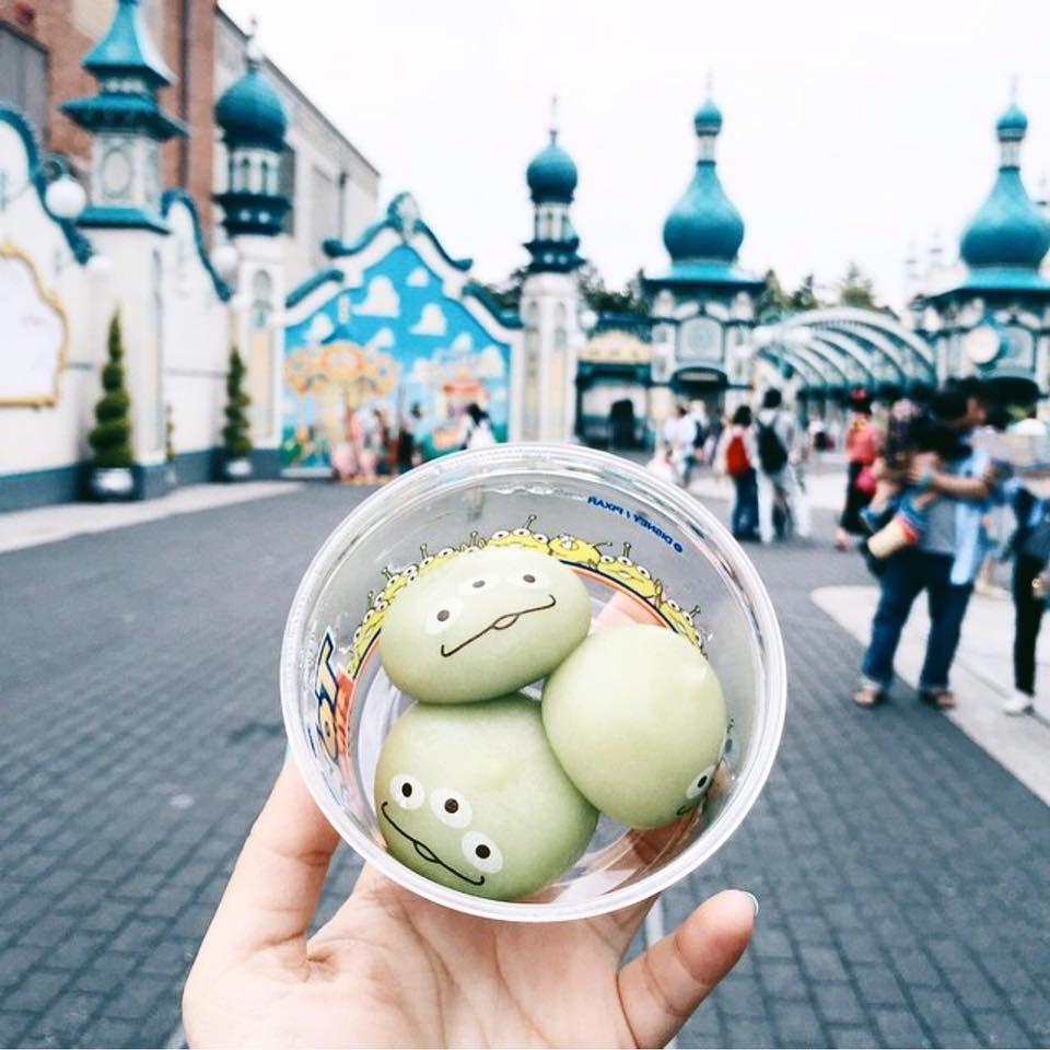 Little Green Men Dumplings From Tokyo Disneysea Photo By Japanlover Dinaree On Instagram Tokyo Food Disney Tokyo Tokyo Disney Sea