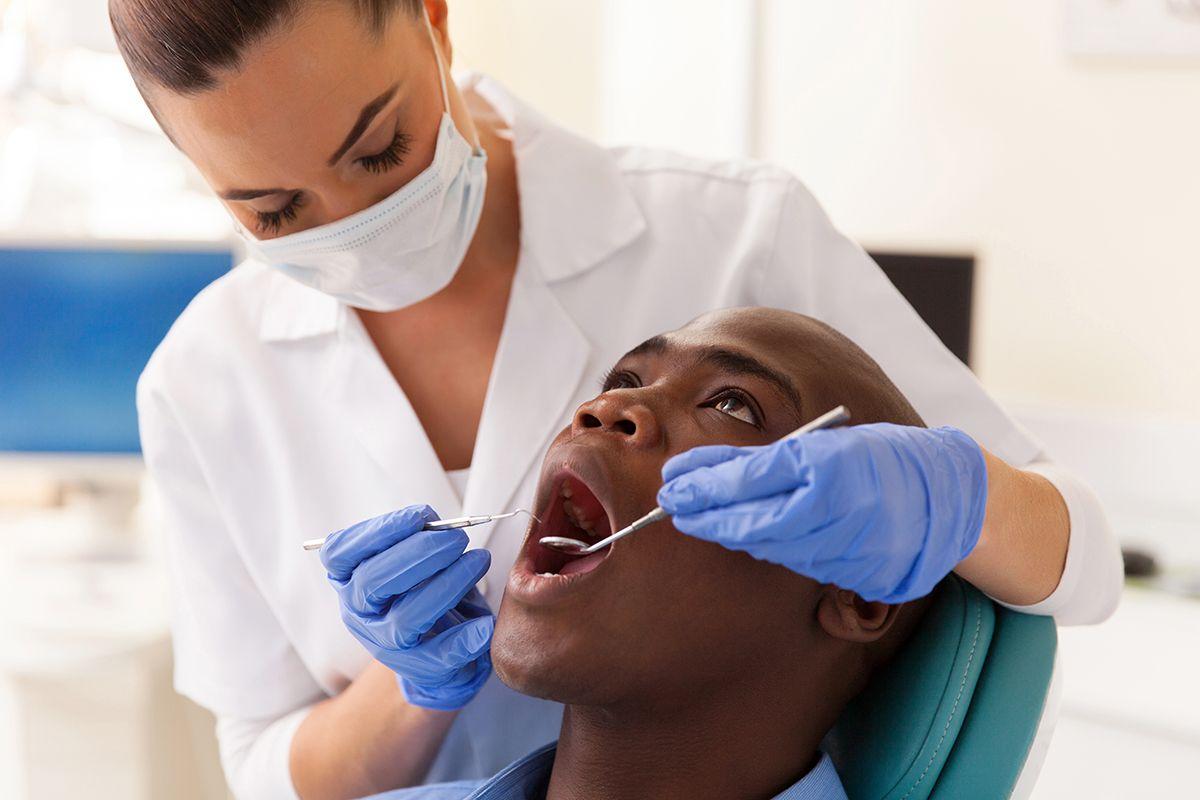 DENTAL CARE Dentist FamilyDentist DentalImplants