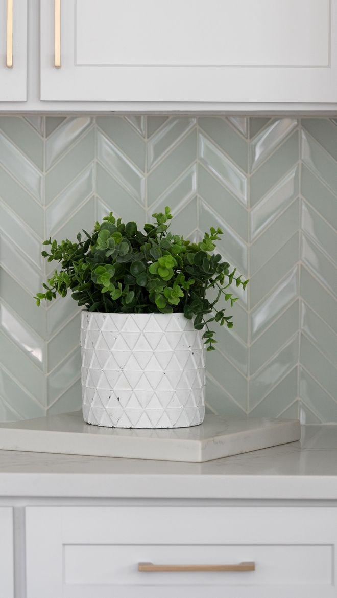 Backsplash Tile White Chevron Glass Kitchen Backsplash Ideas In 2020 Ceiling Design Chevron Glass New Homes
