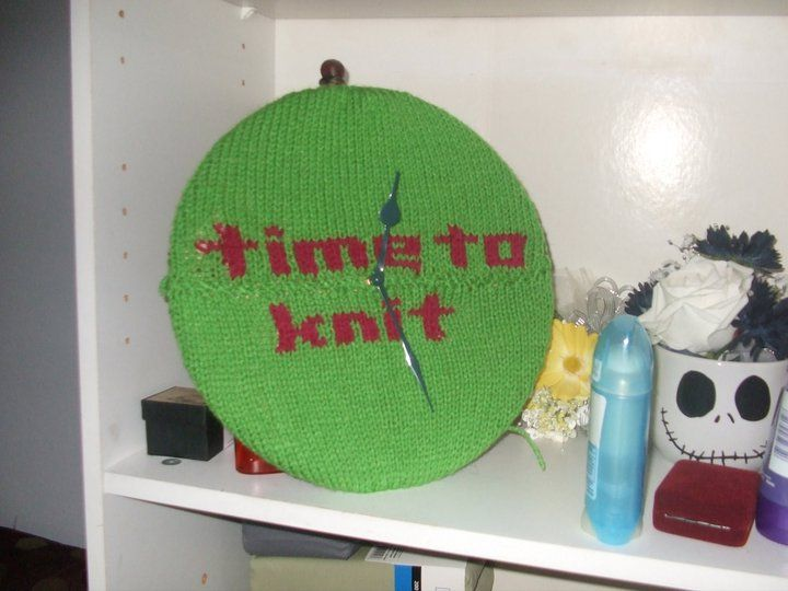 """""""Time to knit"""" yarn bombing"""