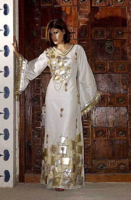 Fashion East Gulf Saudi Bahraini Kuwaiti Omani Qatari Uae Fashion East Fashion Arab Fashion