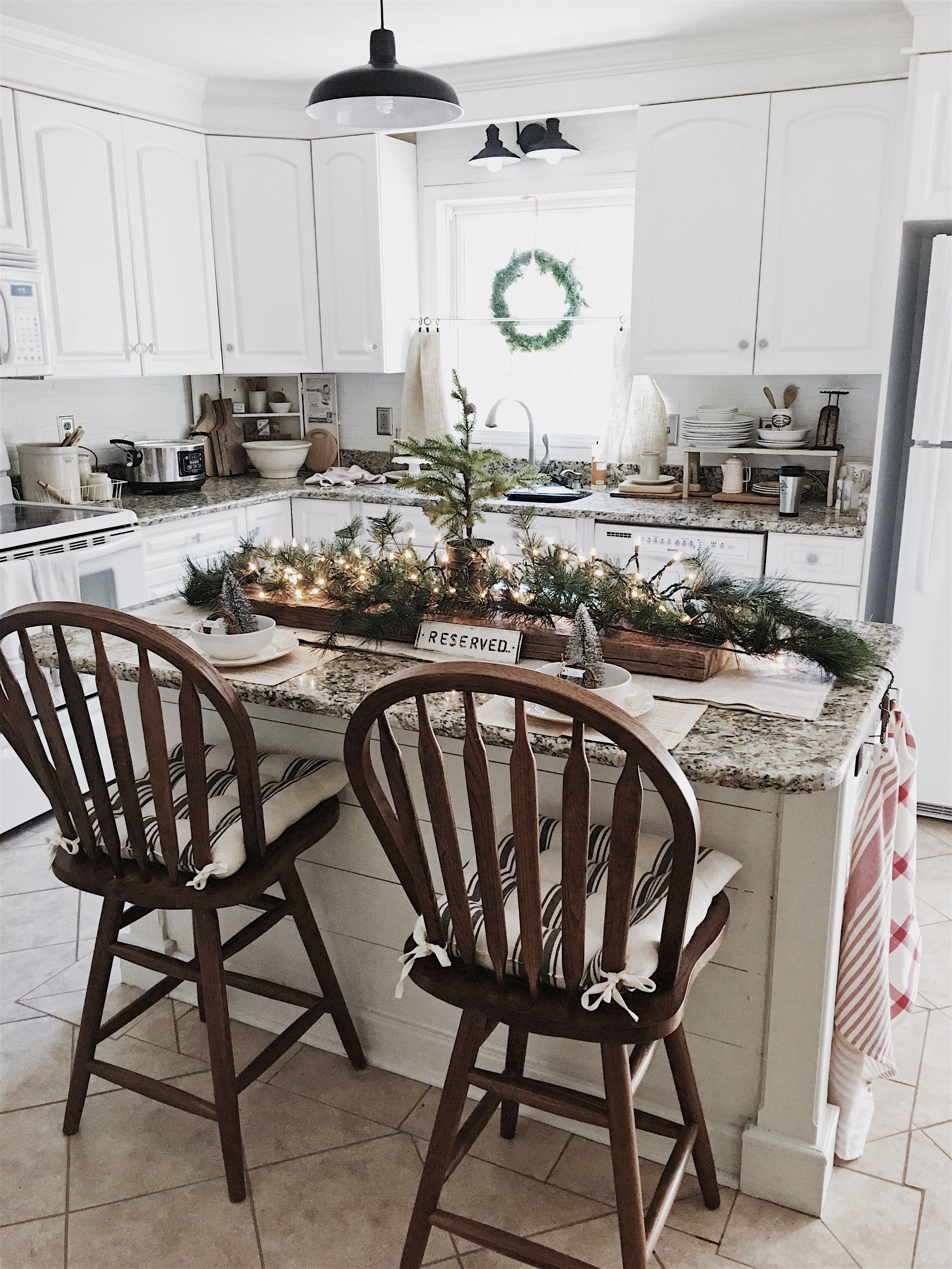 our cozy cat cottage christmas 2017 christmas kitchen decor christmas dining room countertop on kitchen xmas decor id=90651
