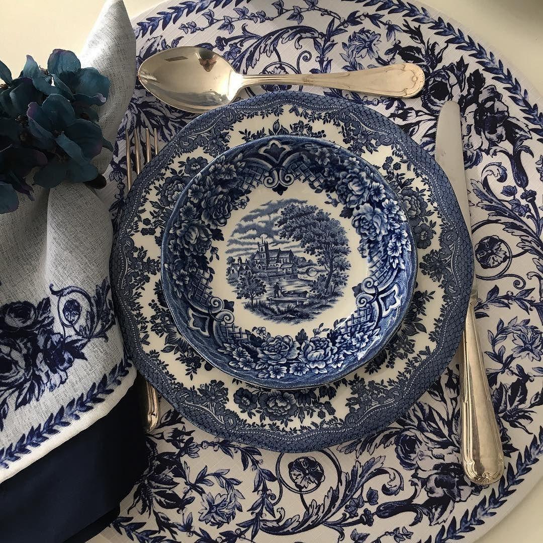 Blue splosion #latabledegiselle #olioliteam #mysweethome #bluelovers #rebecaduartehome #tabletop #vestiramesa