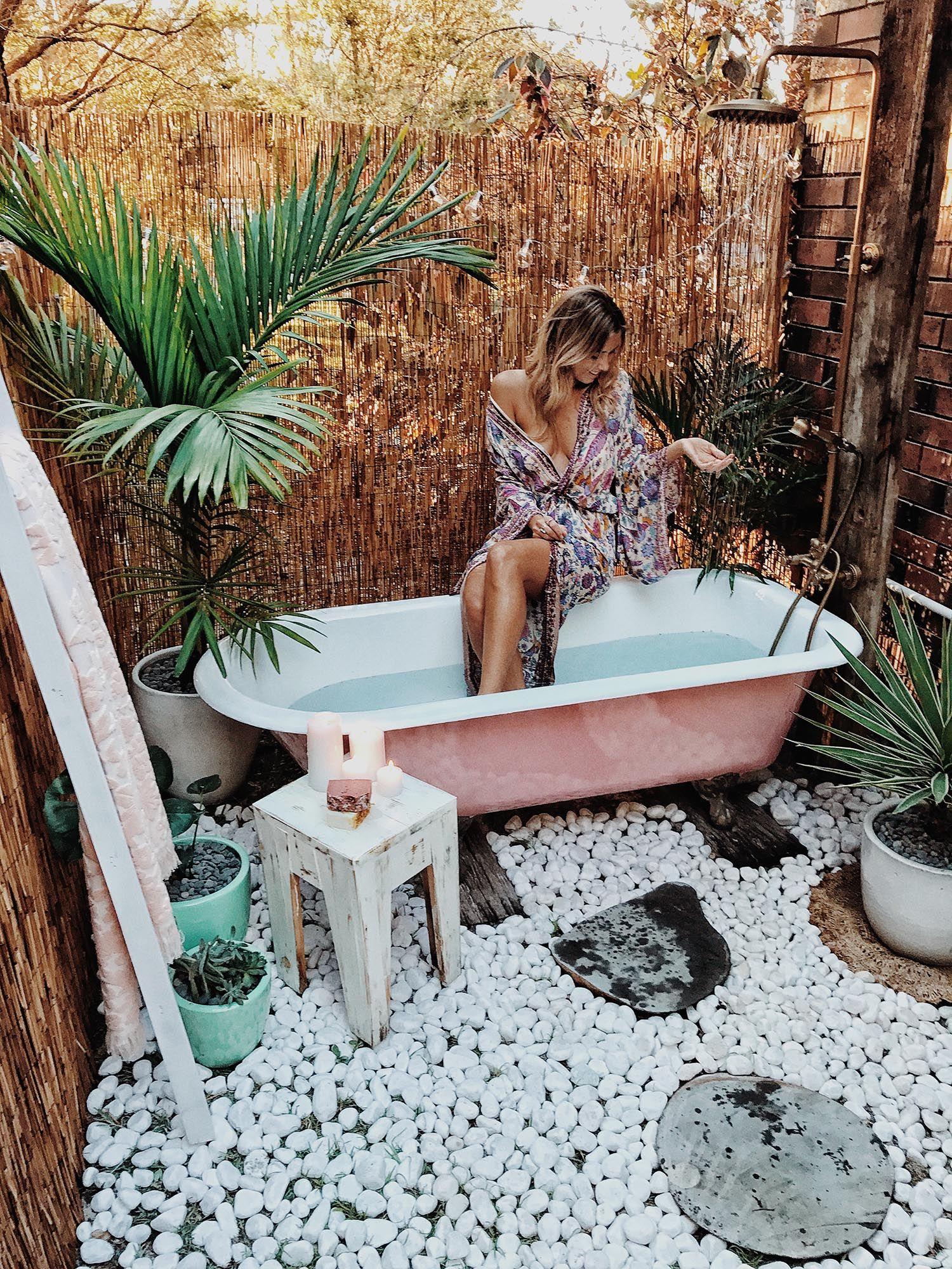 15 Fabulous Outdoor Shower Ideas Letting You Cherish A Comforting