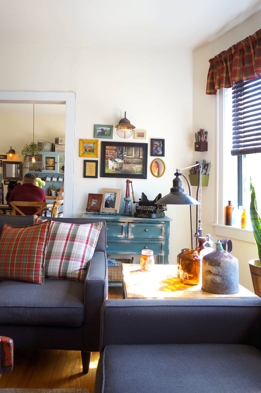 cozy farmhouse style in chicago  farmhouse living room