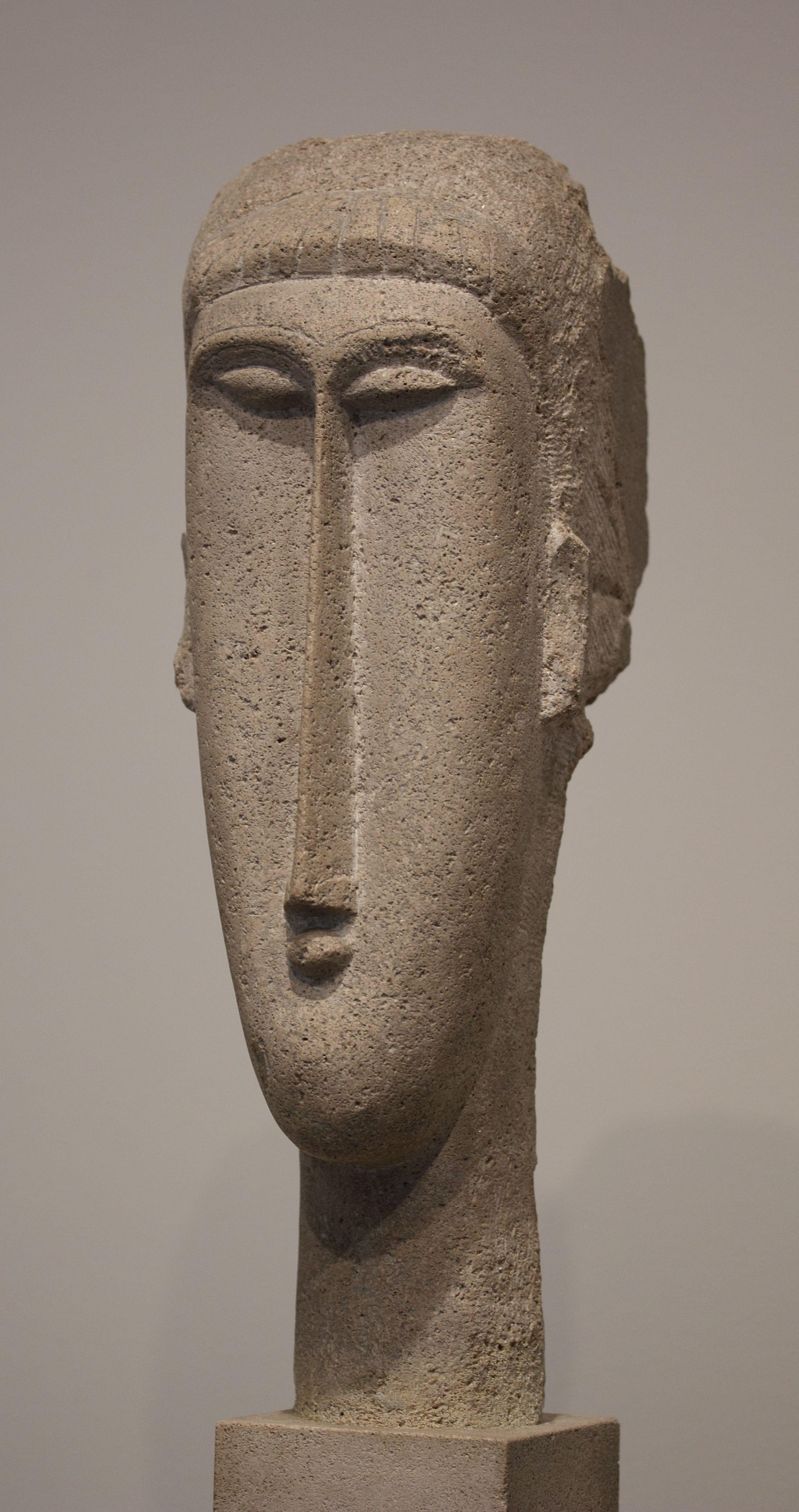 Modigliani amedeo head of a woman 1910 1911 limestone 65 for Art moderne sculpture