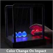 ScienceGeek Newton/'s Cradle Desktop Gadget 3 LED Colors Change Shine Light Ball