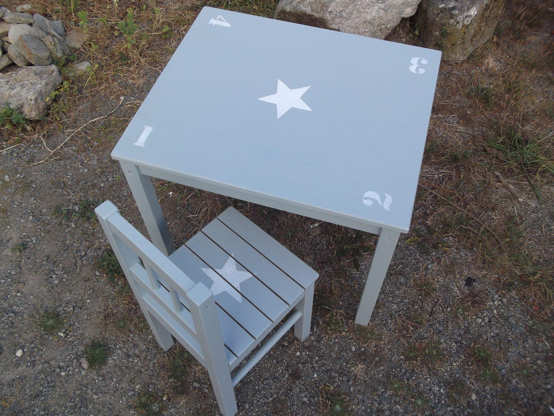Ensemble table d 39 enfant et chaise en bois patine bleu gris - Table et chaise enfant bois ...