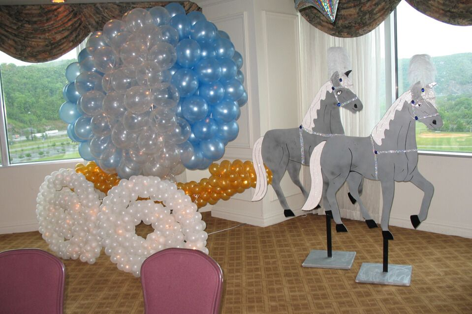 Cinderella Balloon Sculpture Carriage