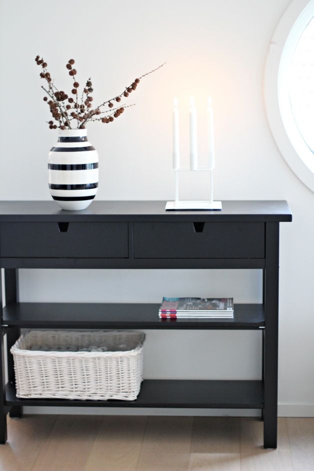 Entry way table. Beautiful.   Ikea inspiration, Interior ...