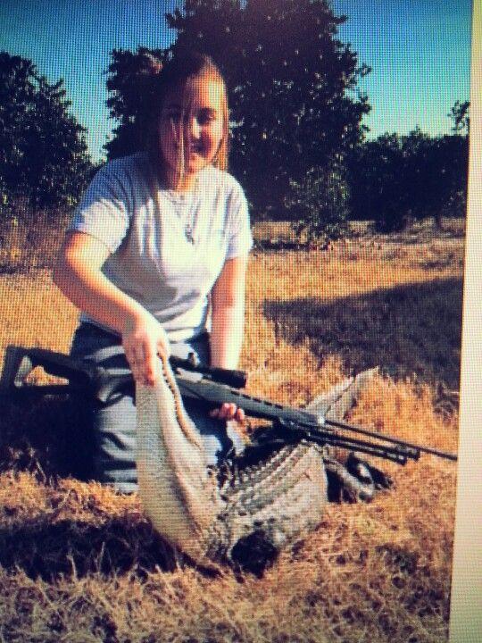 Faith and the gator she shot