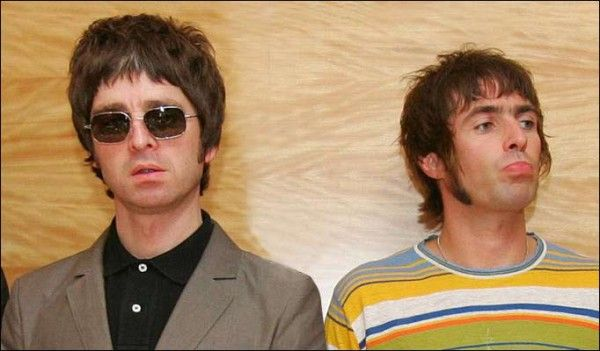 Liam and Noel Gallagher Fighting   Noel Gallagher deja Oasis