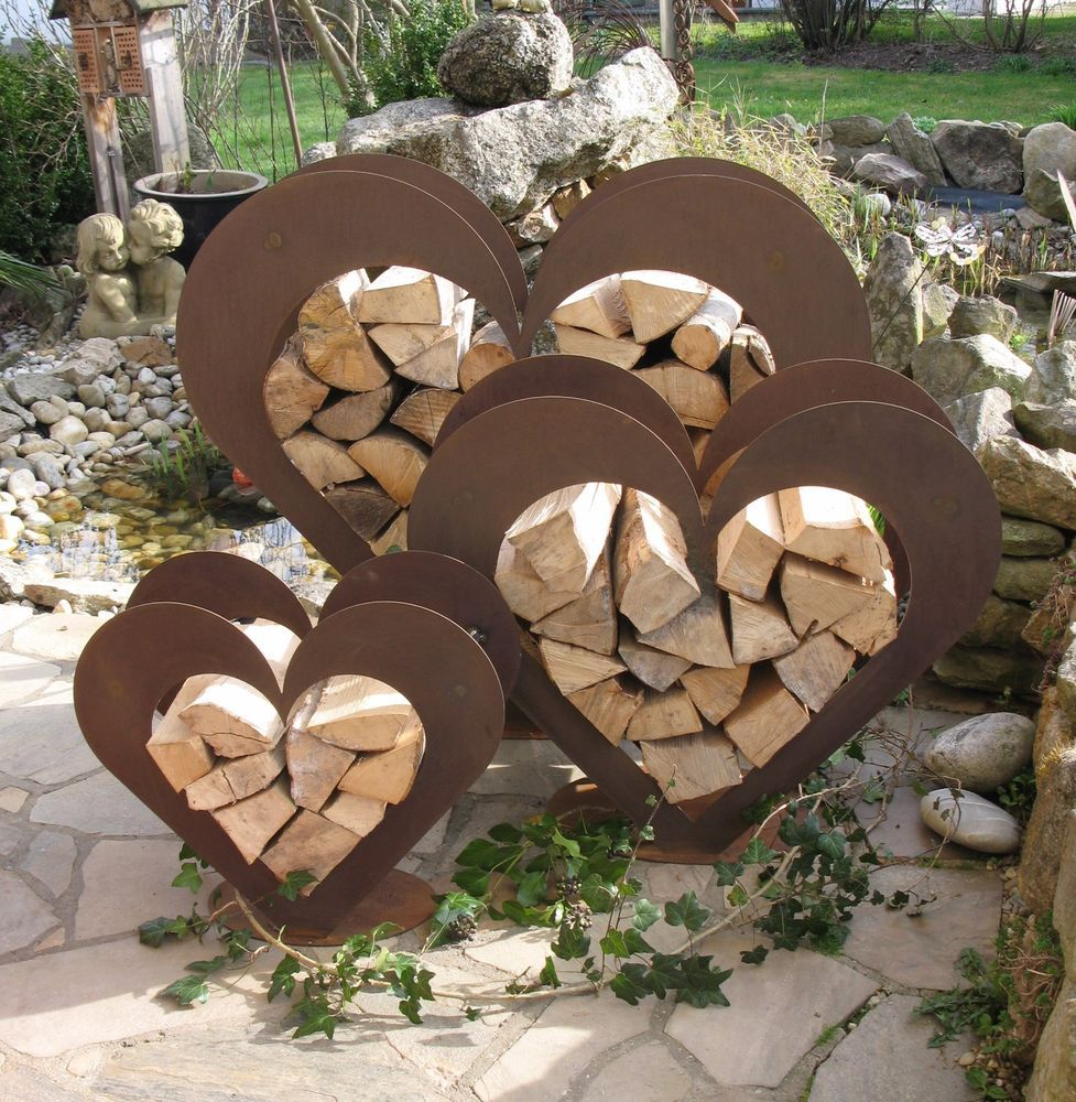 Herz aus metall holz regal edel rost garten terrasse for Gartendeko aus stein und metall