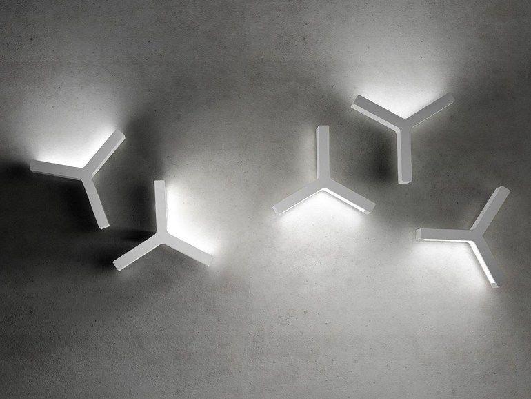Applique a led a luce indiretta laypsilon olev by clm