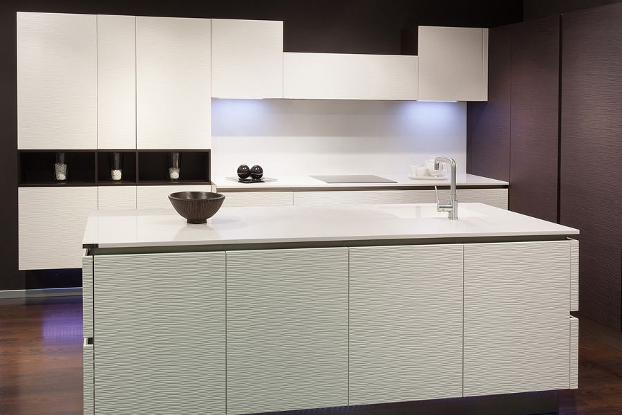 Cocinas blancas   cocina de madera ondulada. patente exclusivo de ...