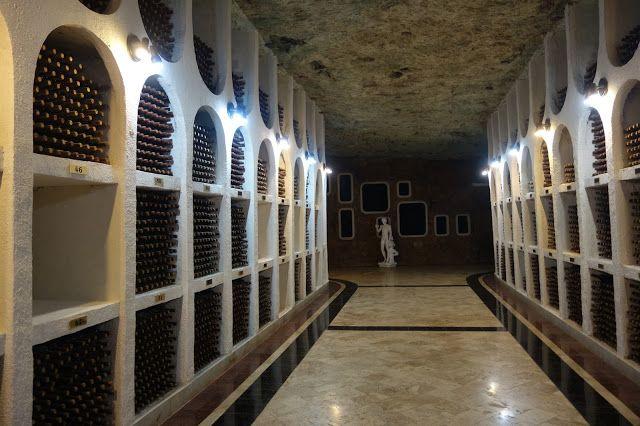 Apen matkat: Moldova osa 3, valtava Cricovan viinikellari