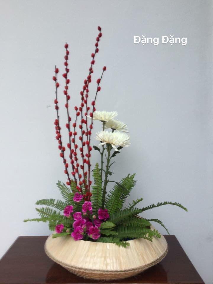 Pin by Annett Osborne on Christmas centerpieces | Flower ...