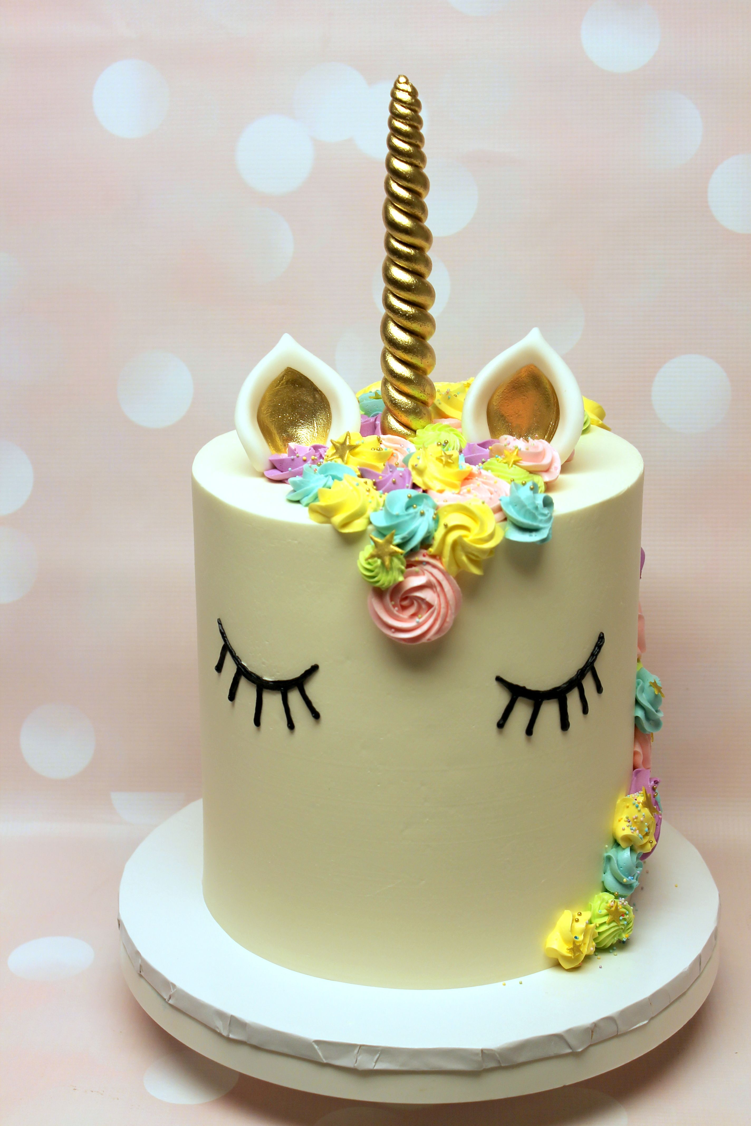Who says unicorns aren't real? Ours are made from cake!
