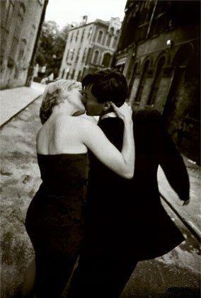 """Amo le sorprese. Amo quando mi sorprendi e mi prendi... """"Taken by surprise! (I hope he likes it.)"""" ~js  buonocattivodellanima.tumblr.com"""
