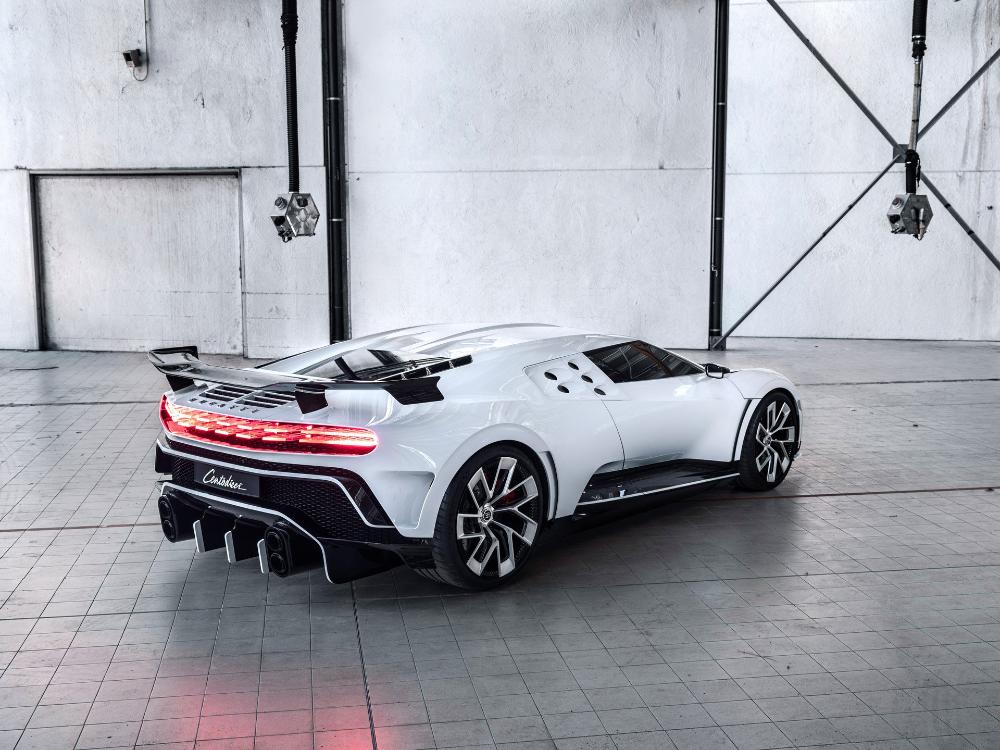 Bugatti 2020 The French Company Is Preparing To Launch A New Hypercar Soon Bugatti Bugatti Eb110 Bugatti Cars