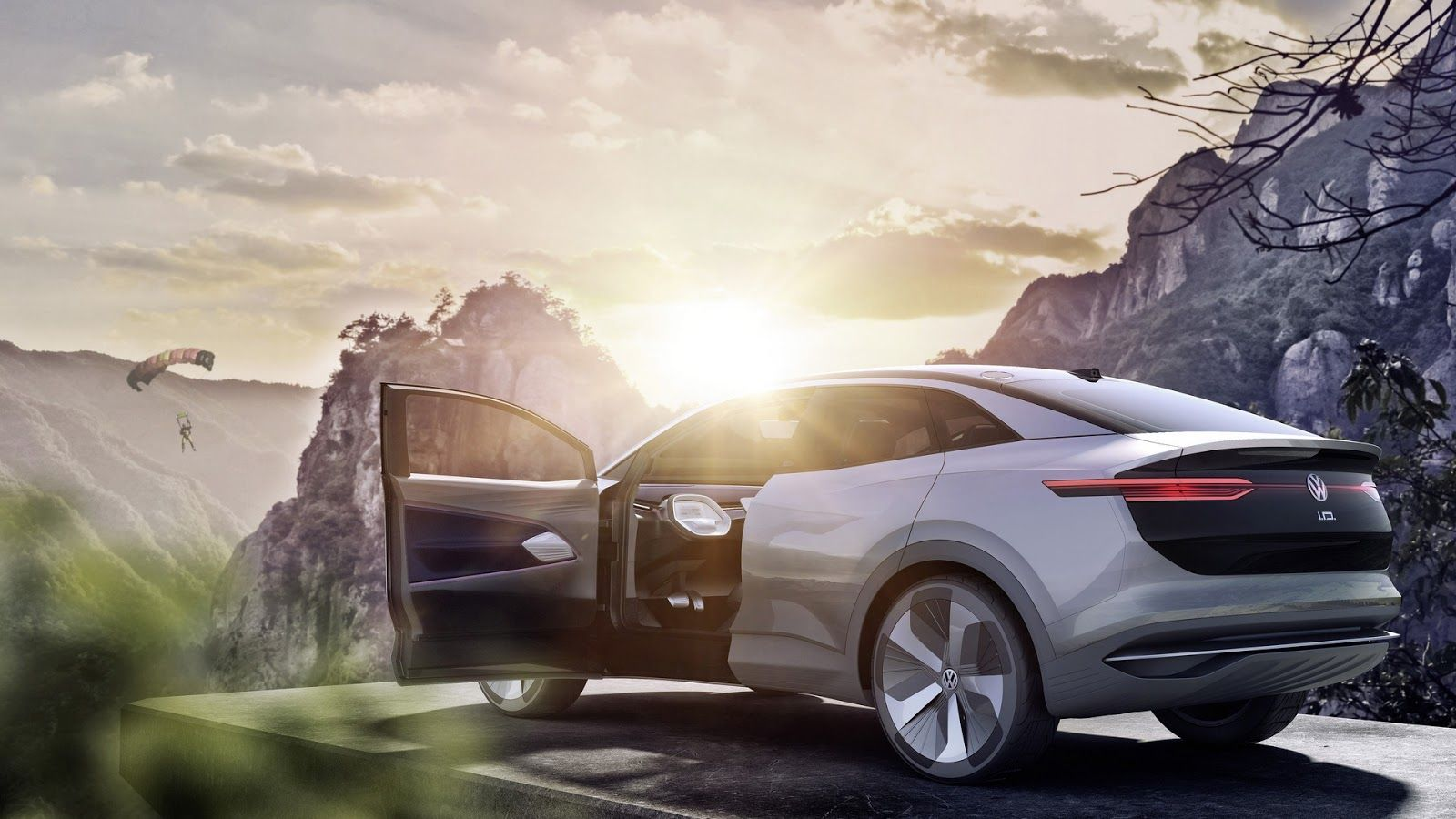Volkswagen I.D. Crozz Concept Shows The Way For Electric Crossovers