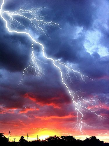 Lightning Sunset In 2020 Lightning Photography Pictures