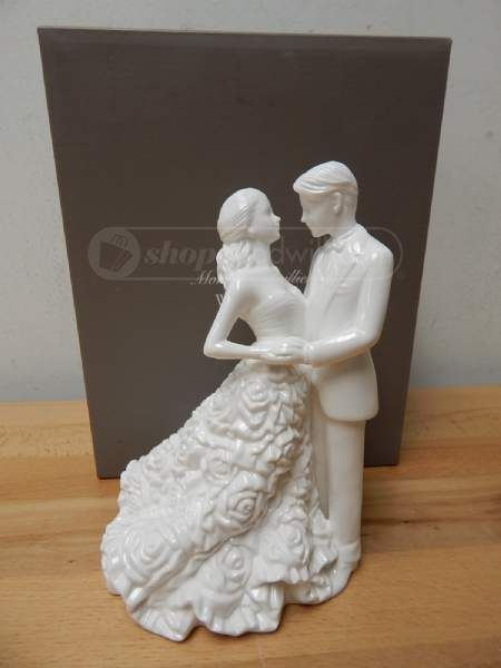 Monique Lhuillier BY Waterford Modern Love Bride and Groom Cake Topper