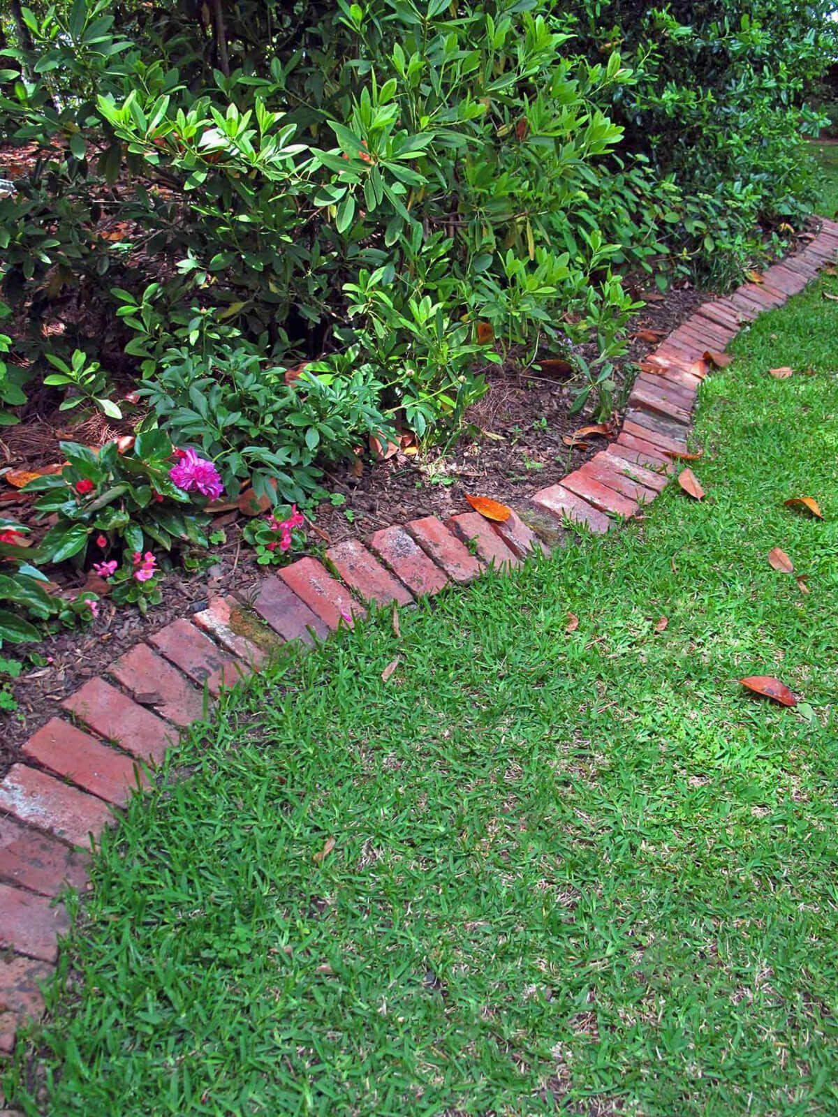 Classic Red Brick Lawn Edge Brick Garden Edging Brick Garden Diy Lawn