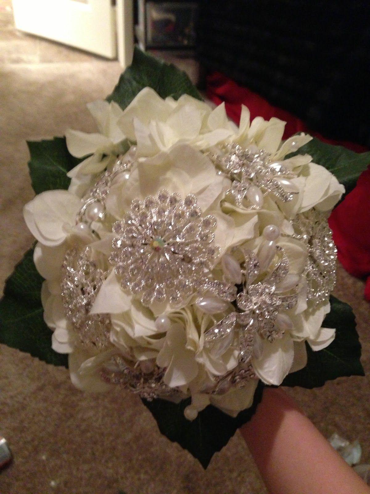 DIY Wedding Brooch Bouquet Diy wedding bouquet, Diy