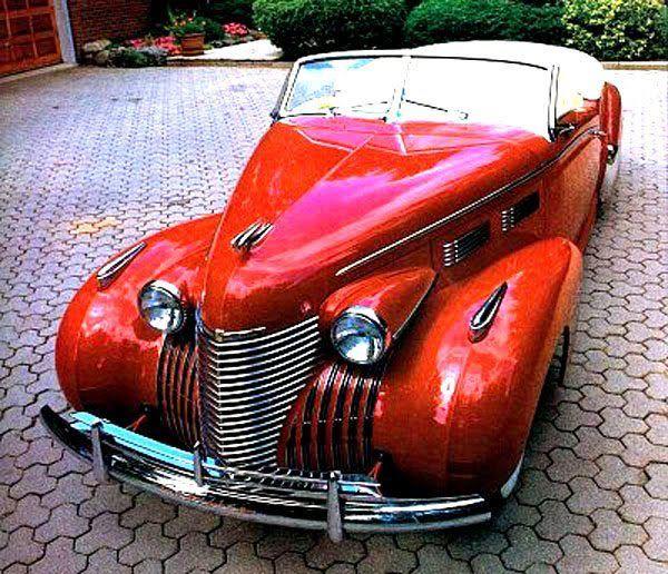 Aggressive Sports Cars: 1940 Cadillac Custom Convertible