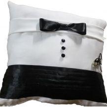 My DIY ringbearer pillow