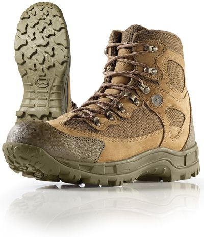 Wellco Hybrid Hiker:  Rob wears tactical spec ops these Botas like these ops 88ec7c