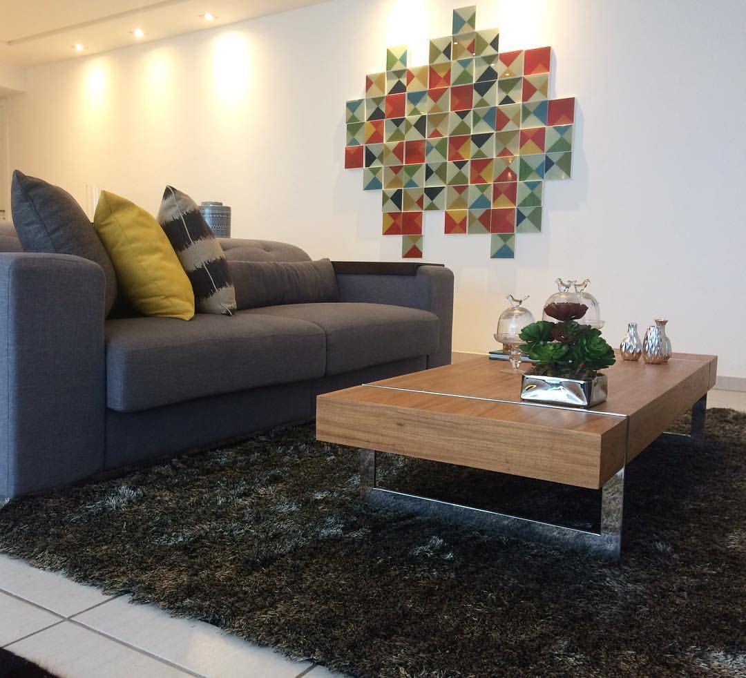 7532b41f5 Quadros para a sala  +70 inspirações e dicas para incrementar o ambiente