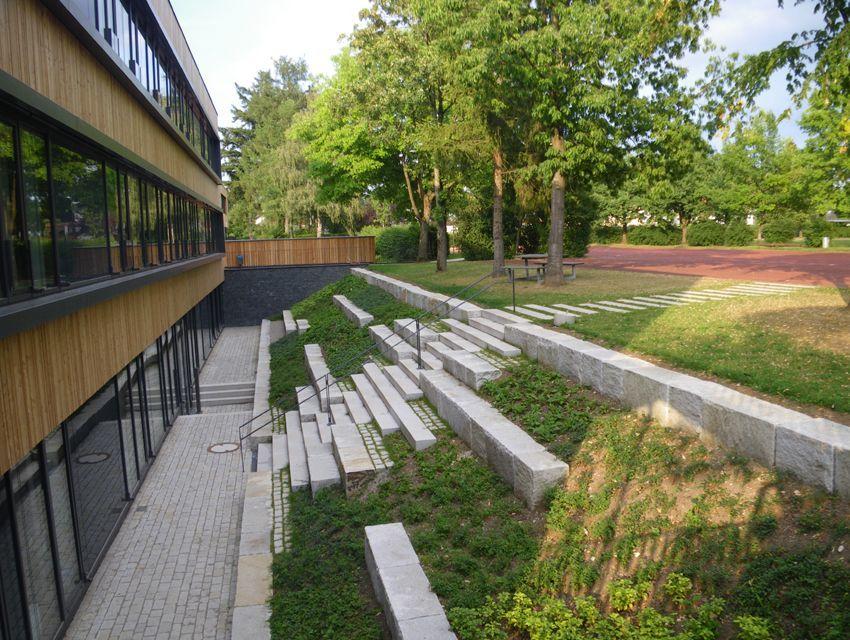 primary school hohenbrunn riemerling landschaftsarchitektur bench pinterest