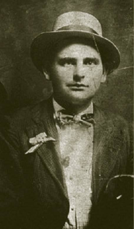 Tennyson Samuel Tennis Hatfield Youngest Son Of Anse And Levicey Hatfield Hatfield And Mccoy Feud Historical People West Virginia History