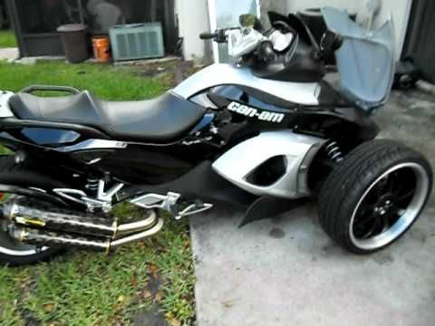 Jules Custom Spyder Motorcycle W 18 Inch Rims And Artwork Spyder Motorcycle Motorcycle Ford Flex