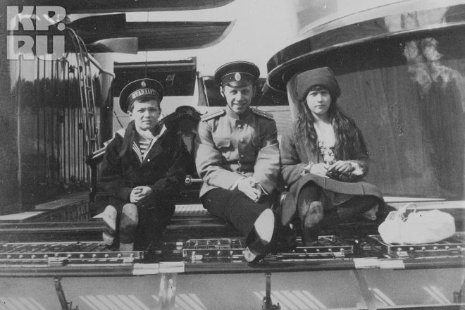 """1914. Tsarevich, the young midshipman, and Grand Duchess Anastasia yacht """"Standart""""."""