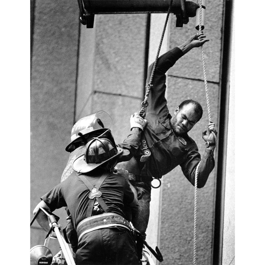 The Digs: Pittsburgh Post-Gazette   March 16, 1971: Window washing turns perilous A...