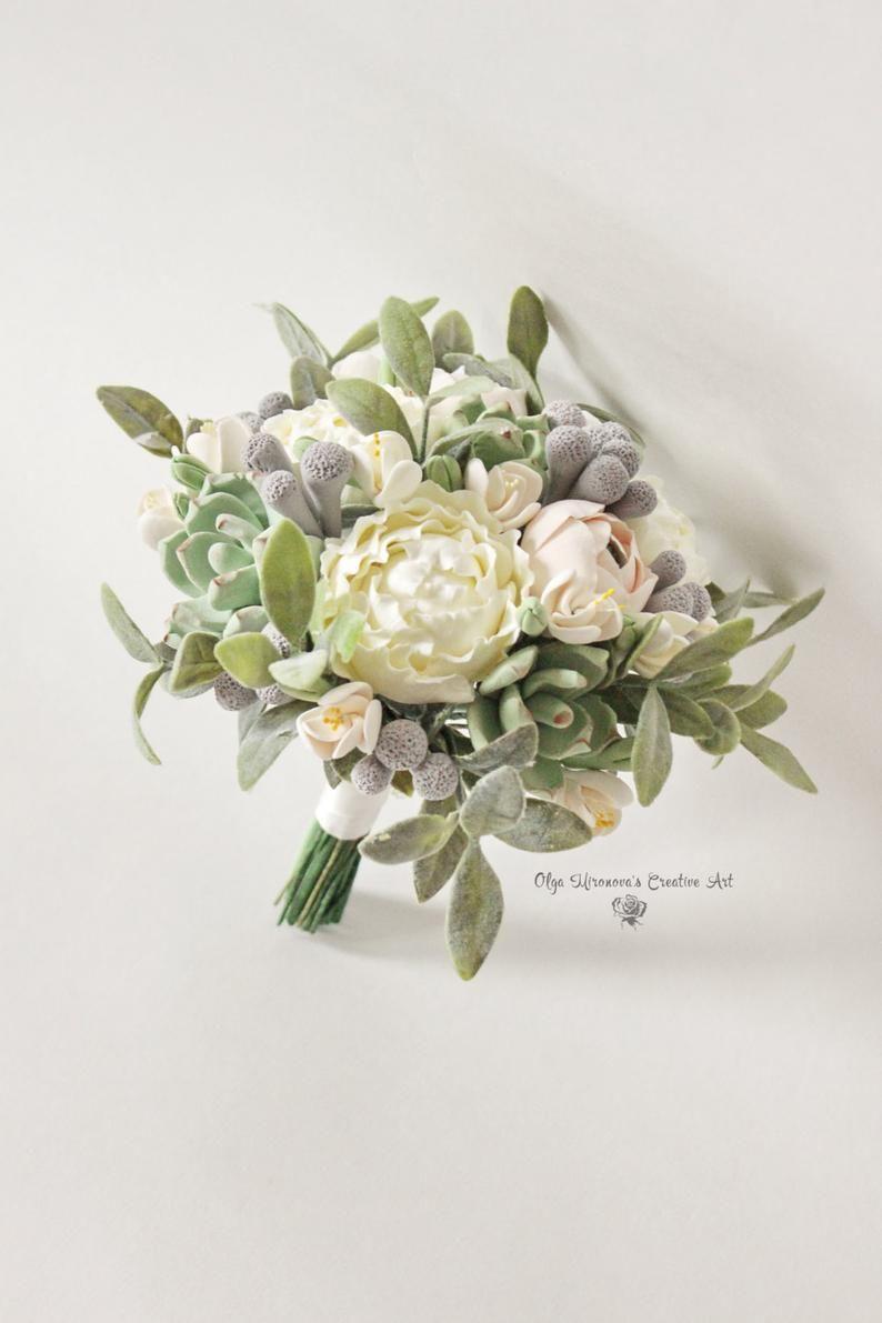 Pin By Ingga Setiyadi On Flower Ideas In 2020 Alternative Wedding Bouquet Wedding Flower Guide Alternative Wedding Bouquet Bridesmaids