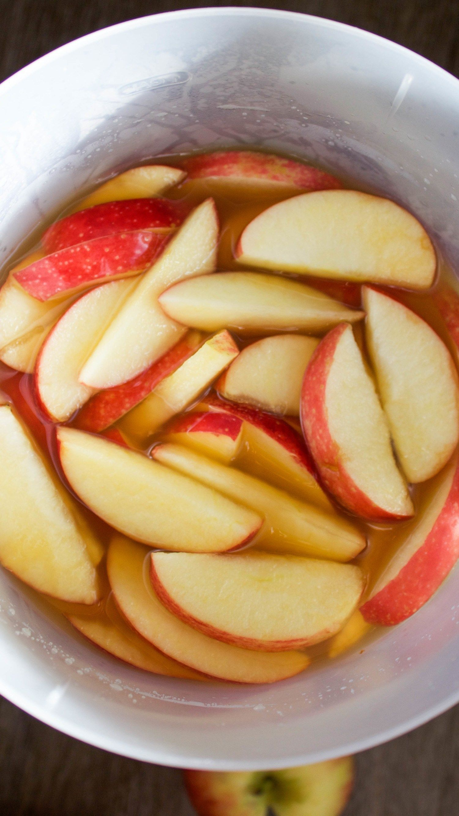Apple Cider Sangria #applecidersangriarecipe This is the best apple cider sangria recipe! It's made with apple cider, pinot grigio, fresh honeycrisp apples and a cinnamon sugar rim. This is such a great thanksgiving drink or fall drink to serve to a crown. #sangria #applecider #cinnamon #fall #drink #cocktail #honeycrisp #applecidersangriarecipe Apple Cider Sangria #applecidersangriarecipe This is the best apple cider sangria recipe! It's made with apple cider, pinot grigio, fresh honeycrisp app #applecidersangriarecipe