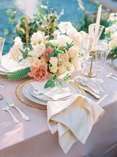 Soft and Romantic Desert Wedding Inspiration at Royal Palms Resort and Spa - #and #at #Desert #Inspiration #Palms #Resort #Romantic #Royal #Soft #Spa #Wedding
