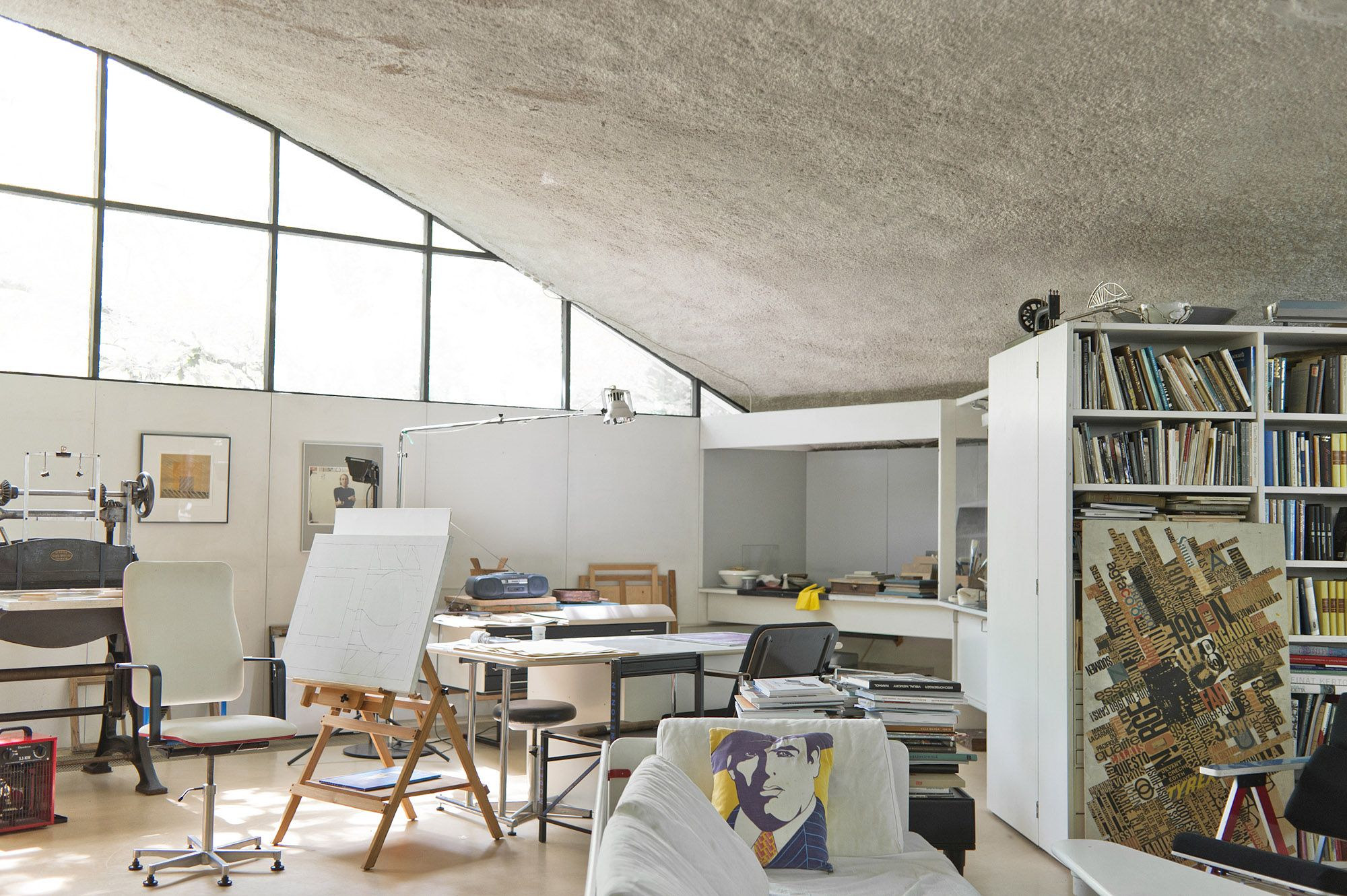 Interior architect Yrjö Kukkapuro's home studio.