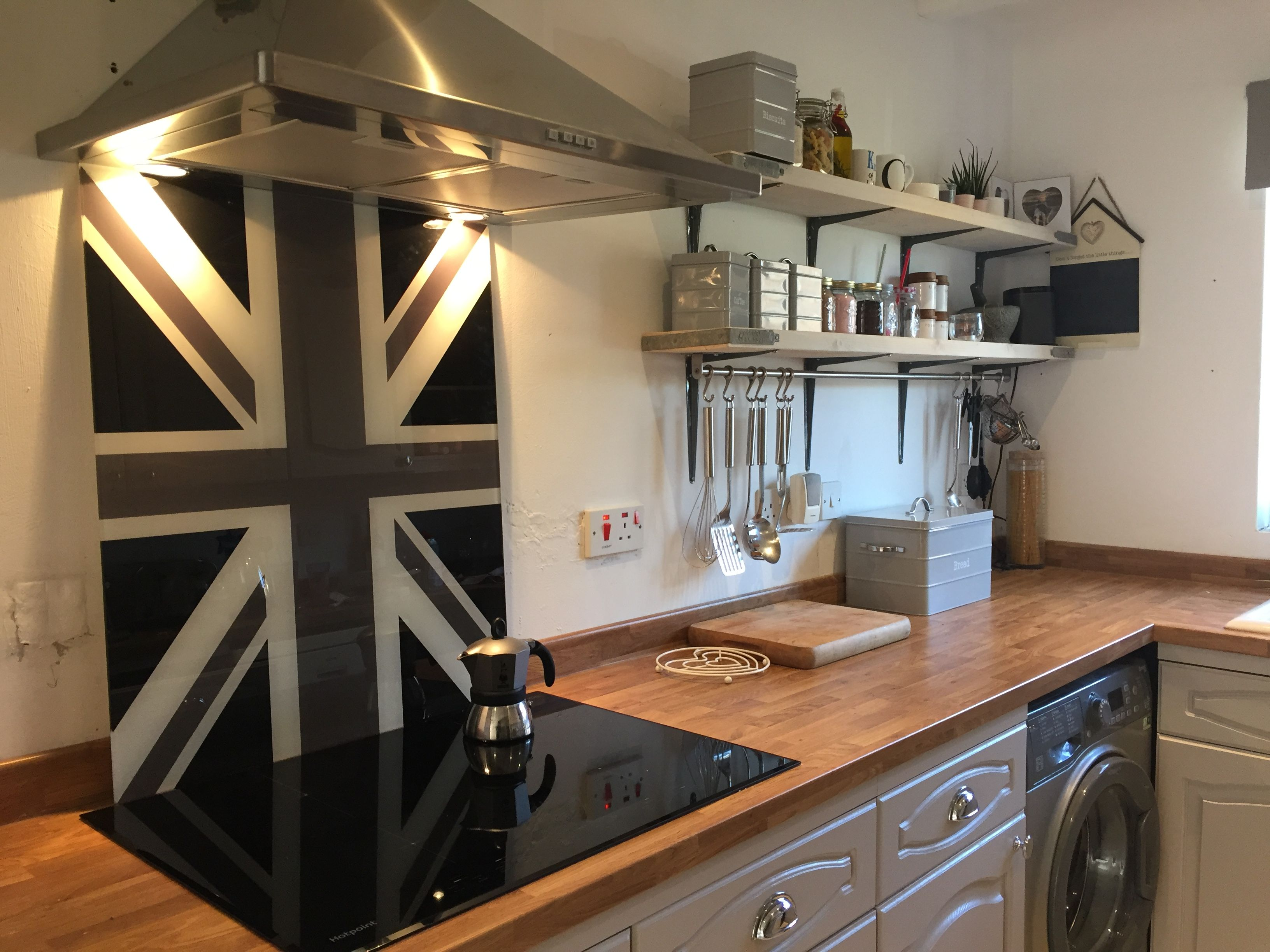 our union jack cooker splashbacks can be made to any size or interiors