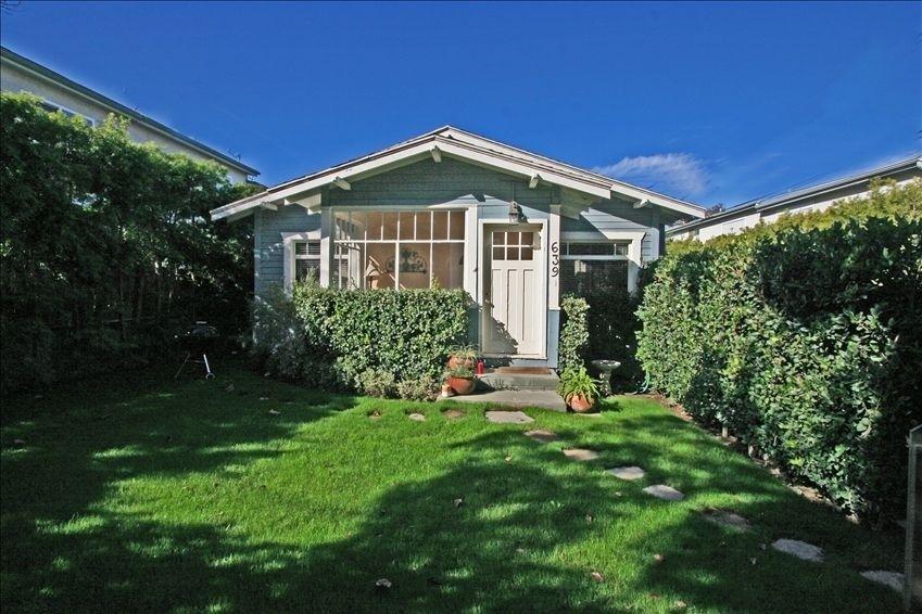 Vrbo Com 78668 Charming California Bungalow California Bungalow House Rental Craftsman Bungalows