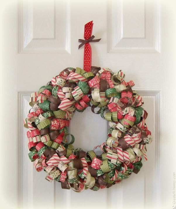 We've got lots of wreath ideas! !