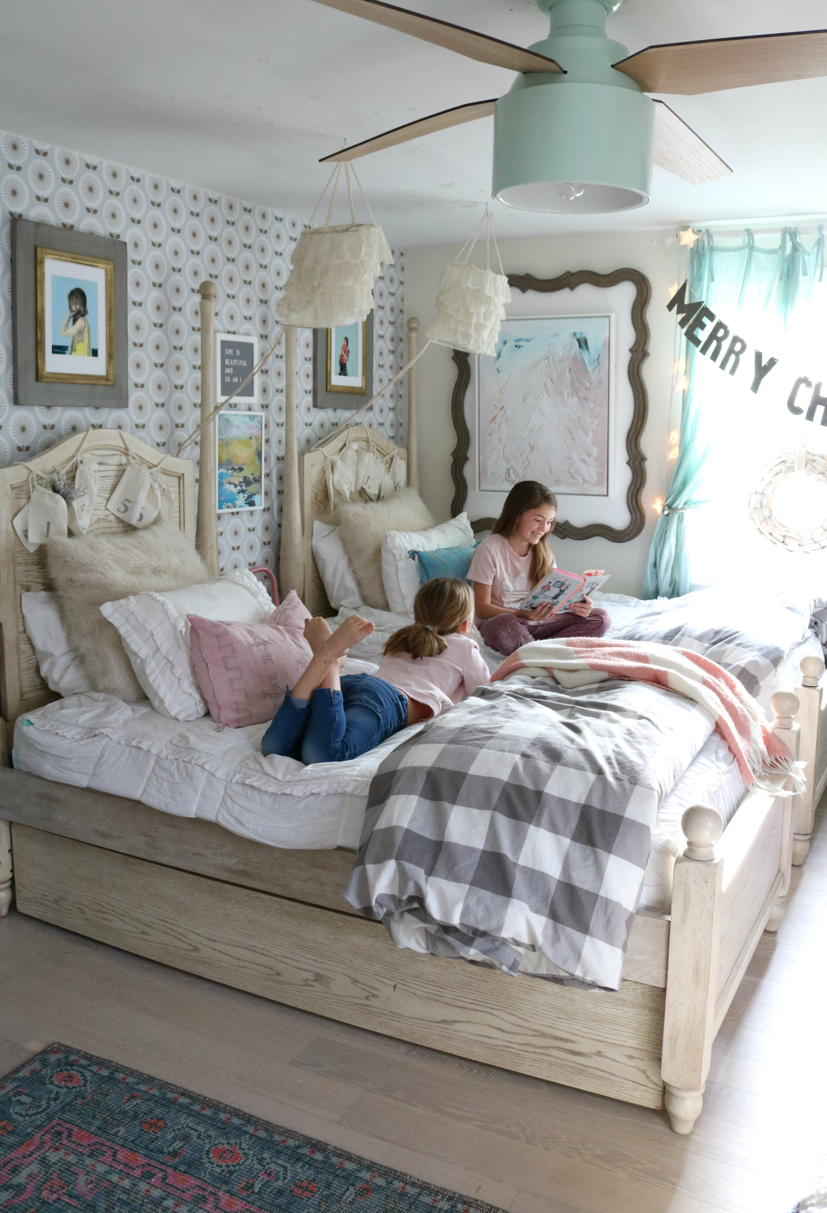 Pin By Cristina Remodelacasa On Bailey S Room In 2020 Shared Girls Bedroom Shared Girls Room Shared Bedroom